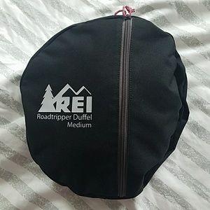 4cd7b6ef0c REI Bags - REI Roadtripper Duffel Bag